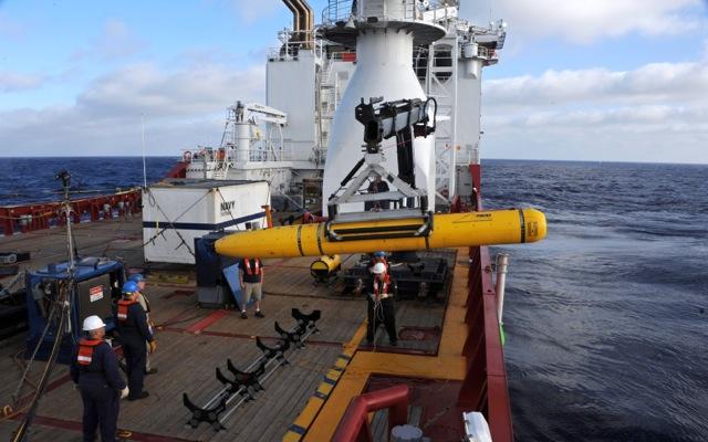 Σε κρίσιμο στάδιο οι έρευνες για τον εντοπισμό της πτήσης MH370