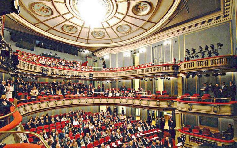 Το Εθνικό Θέατρο «ταξιδεύει» στην ομογένεια