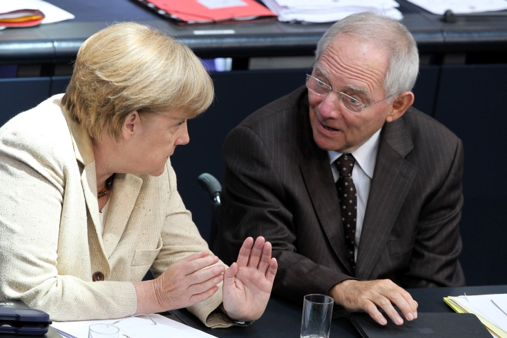 Κομισιόν προς Γερμανία: Αυξήστε μισθούς και μειώστε τα πλεονάσματα