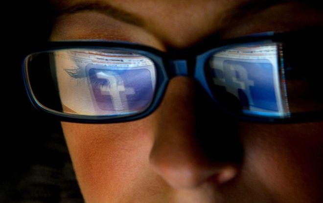 Εσύ πόσες ώρες δούλεψες για το Facebook σήμερα;