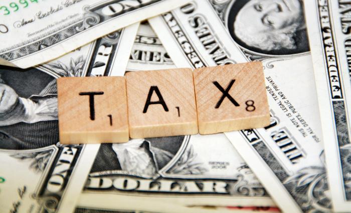 Δεν σταματούν να αυξάνονται οι έμμεσοι φόροι