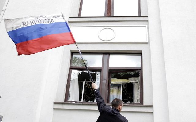 Άλλο ένα ουκρανικό «οχυρό» στα χέρια των ρωσόφωνων αυτονομιστών