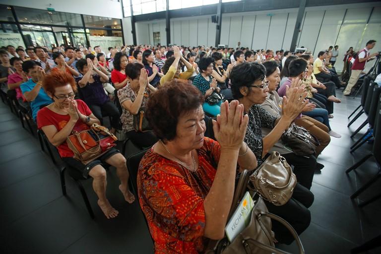 Οι συγγενείς των επιβαινόντων του Boeing 777 επιστρέφουν σπίτι τους