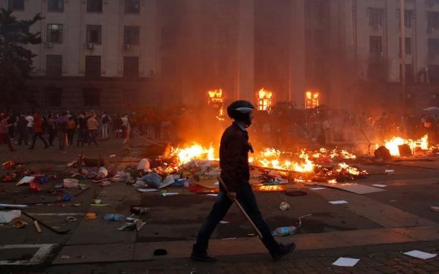 Δραματικές εξελίξεις στην Ουκρανία – Τουλάχιστον 31 νεκροί στην Οδησσό