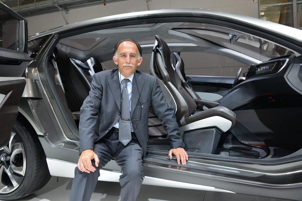 Ο αρχισχεδιαστής κορυφαίων αυτοκινήτων είναι Έλληνας