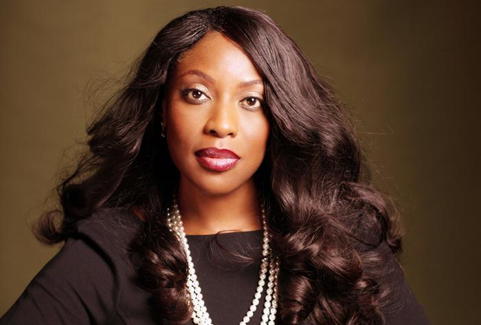 Ebony μητέρες κανάλι