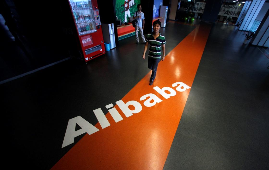 O κινεζικός κολοσσός Alibaba «ταρακουνάει» τη Wall Street