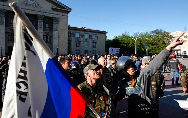 Δεν υποχωρούν οι φιλορώσοι αυτονομιστές στην Ουκρανία
