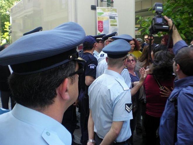 Αποδοκιμασίες για τον Βενιζέλο στη Λάρισα (βίντεο)