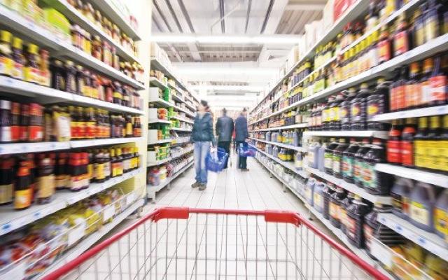 Με 50 ευρώ και λίστα στο σούπερ μάρκετ οι Έλληνες καταναλωτές