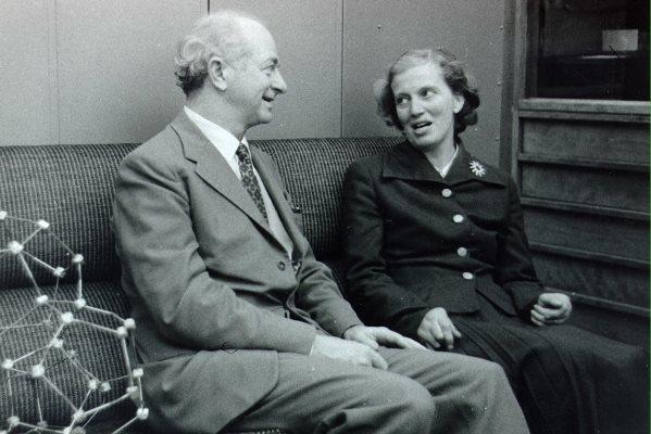 Η Google τιμά την Dorothy Hodgkin