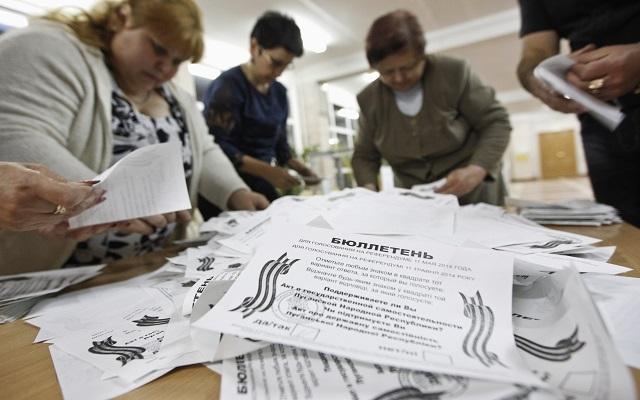 Υπέρ της αυτονομίας από το Κίεβο ψήφισε η ανατολική Ουκρανία