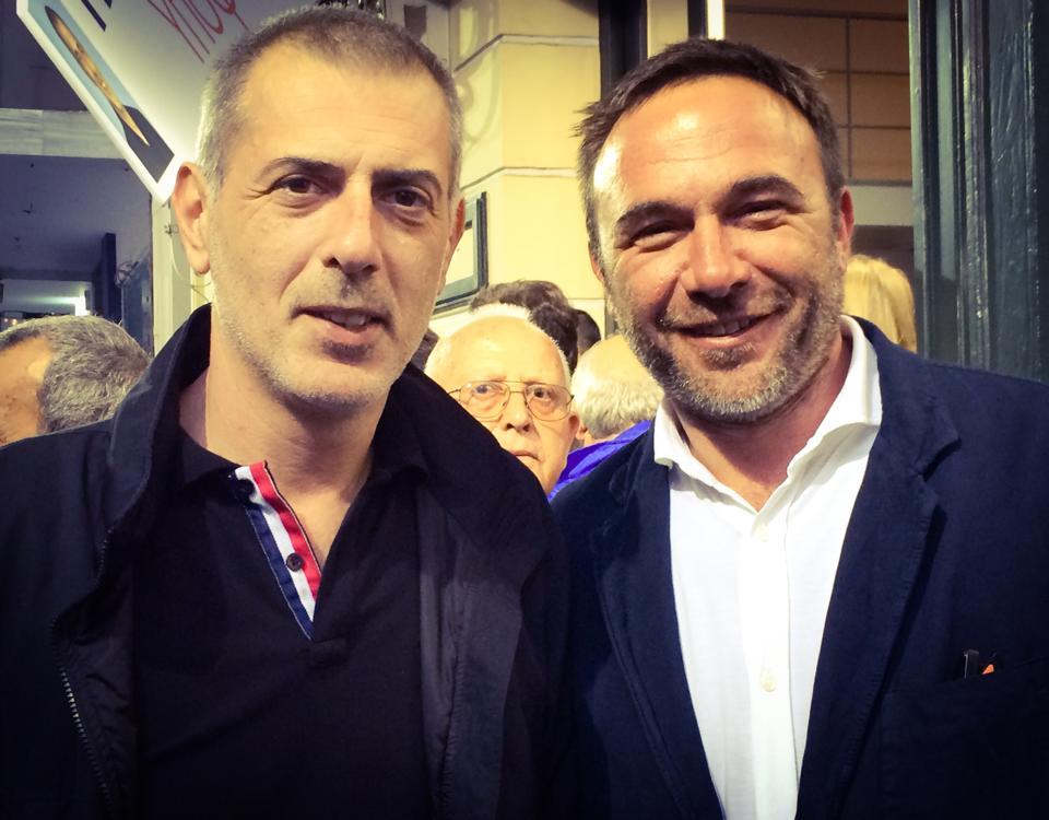 Ο Πέτρος Κόκκαλης μαζί με τον υποψήφιο Δήμαρχο Πειραιά Γιάννη Μώραλη.
