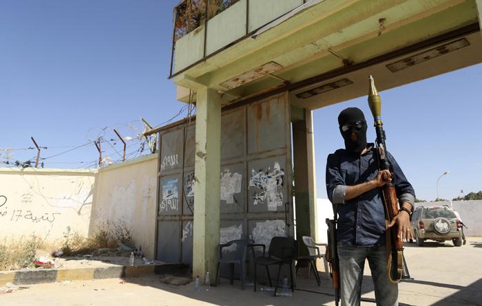 Εμπόλεμη ζώνη η Βεγγάζη