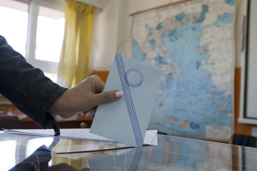 Τα πρώτα αποτελέσματα στις Περιφέρειες εκτός Αττικής