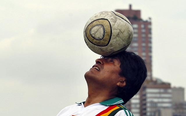 Καριέρα… ποδοσφαιριστή για τον Έβο Μοράλες