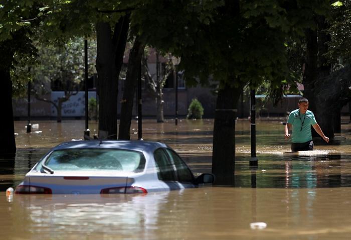 Ανησυχία για την άνοδο της στάθμης των νερών στη Σερβία και τη Βοσνία