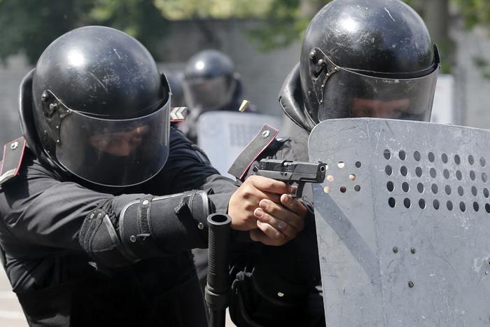 Συνεχίζονται οι σποραδικές συγκρούσεις στην ανατολική Ουκρανία