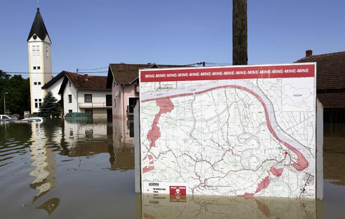 Ολική καταστροφή δύο πόλεων στη Βοσνία-Ερζογοβίνη
