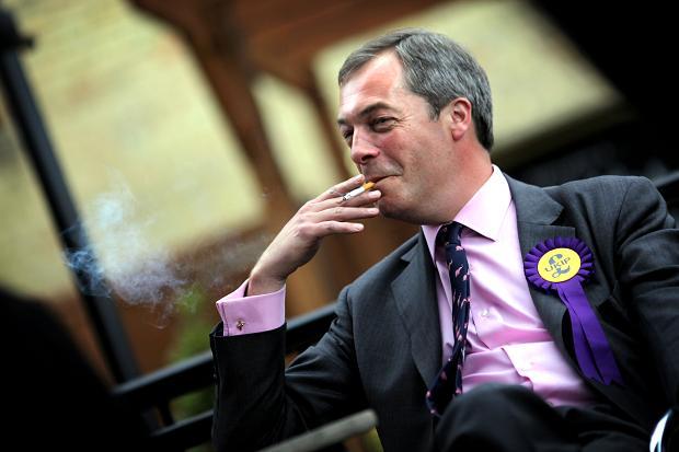 Προβάδισμα των ευρωσκεπτικιστών στη Βρετανία δείχνουν οι έρευνες