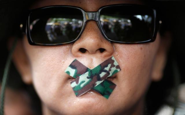 Απλώνει τα «δίχτυα» της η χούντα στην Ταϊλάνδη