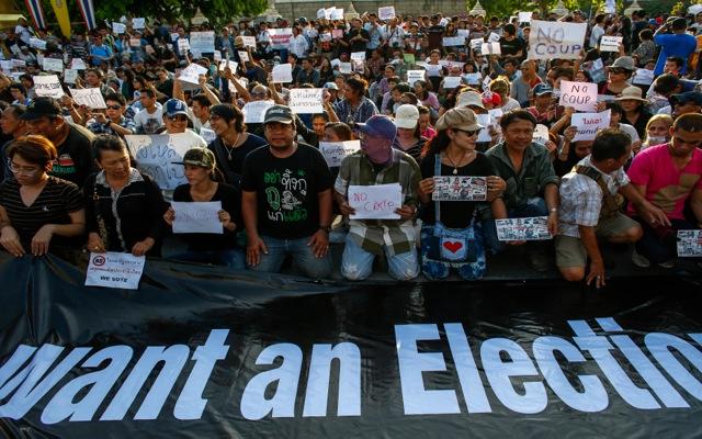 Διάλυση της Γερουσίας επέβαλε η χούντα στην Ταϊλάνδη
