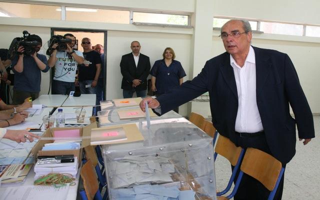 Αποδοχή ήττας στις εκλογές από τον Β. Μιχαλολιάκο