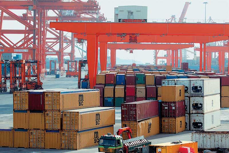 ΠΣΕ: Υποχώρηση των εξαγωγών στο α' τρίμηνο 2014