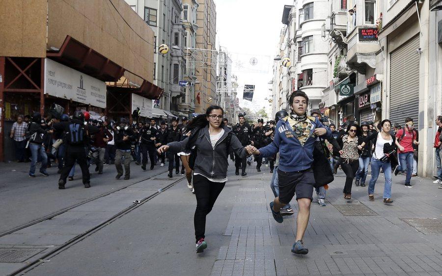 Ο Ερντογάν απειλεί όποιον διαδηλώσει στην πλατεία Ταξίμ