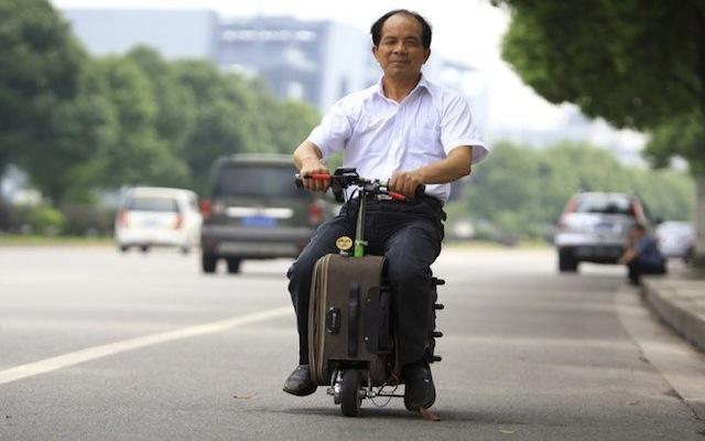 Η βαλίτσα-μοτοσακό που σε πάει στο αεροδρόμιο