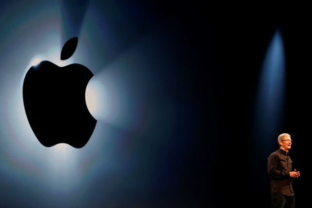 Το σκάνδαλο γυμνών φωτογραφιών «χτυπά» τη μετοχή της Apple