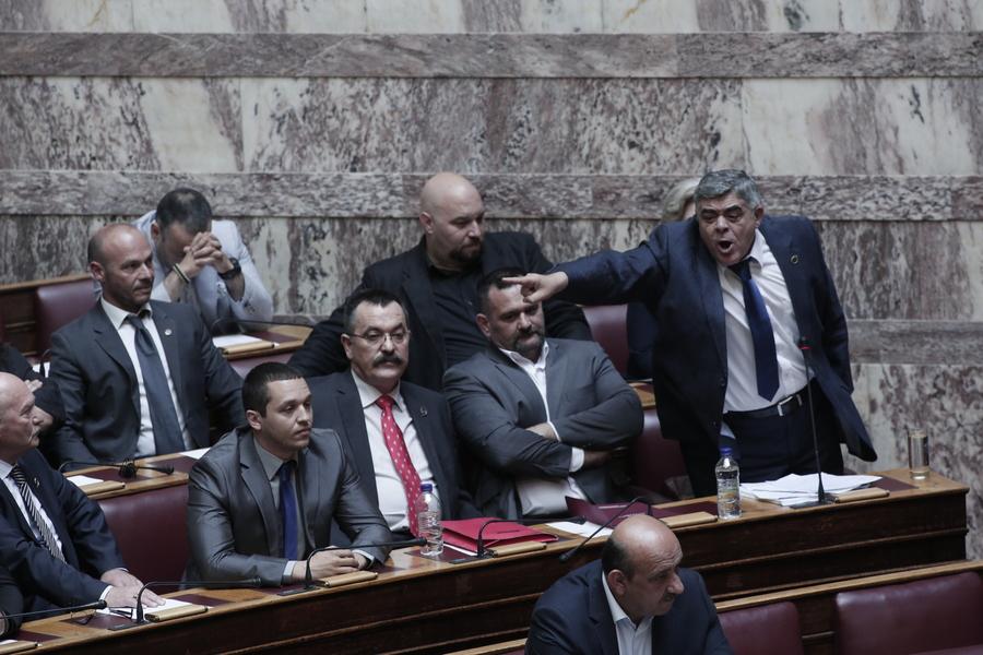 Τον ναζιστικό ύμνο στα ελληνικά τραγουδούσαν οι Χρυσαυγίτες