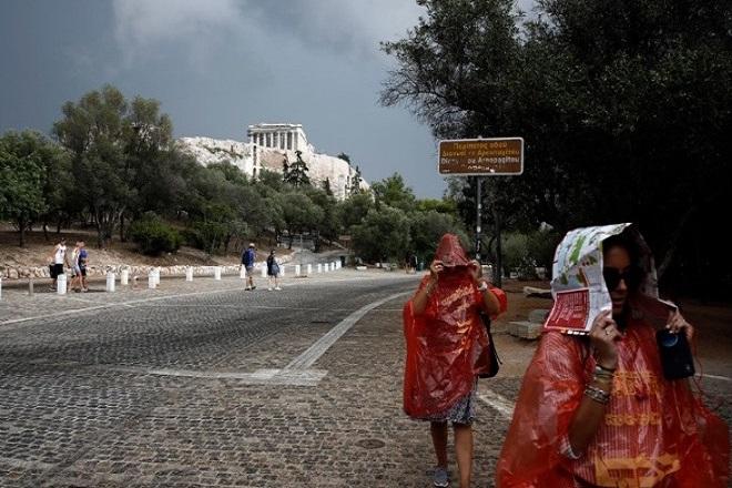 Βροχή και μίνι καύσωνας – Πού θα «χτυπήσει κόκκινο» ο υδράργυρος το Σαββατοκύριακο