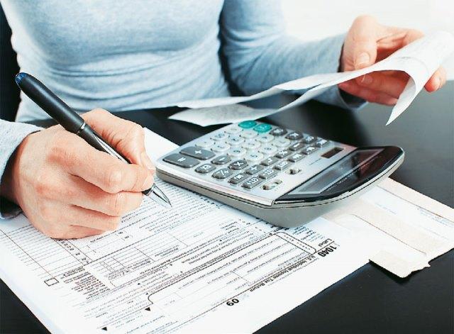 Mετ' εμποδίων η επιστροφή φόρου στις επιχειρήσεις