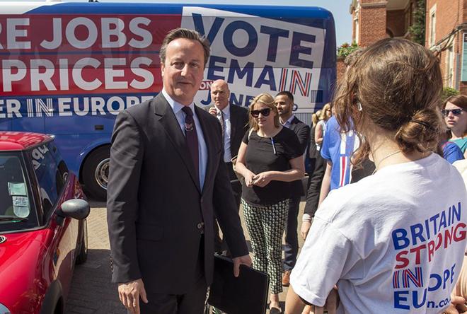 Δημοψήφισμα: Οι πρώτες αντιδράσεις στο Twitter – Τι έγραψε ο Κάμερον