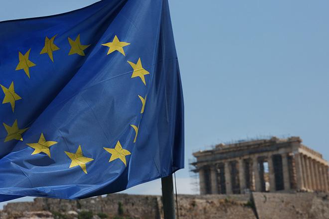 Η σημαία της Ευρωπαικής Ενωσης κυματίζει απέναντι από τον Παρθενώνα, Αθήνα, Παρασκευή 22  Ιουνίου 2018. ΑΠΕ-ΜΠΕ/ΑΠΕ-ΜΠΕ/ΟΡΕΣΤΗΣ ΠΑΝΑΓΙΩΤΟΥ