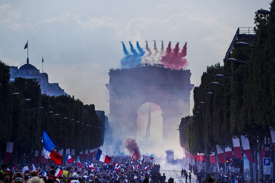 Παρέμβαση Τραμπ για τον γαλλικό φόρο που βάζει στο στόχαστρο τη Silicon Valley