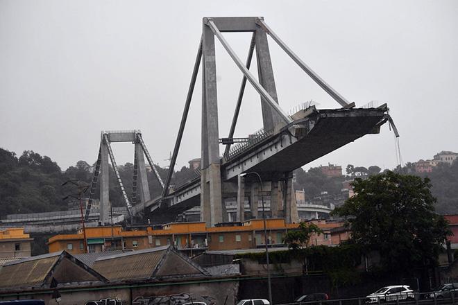 Τουλάχιστον 35 νεκροί από την πτώση οδογέφυρας στη Γένοβα (Βίντεο-Φωτογραφίες)
