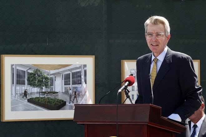 O πρέσβης των ΗΠΑ στην Ελλάδα Geoffrey Pyatt μιλάει στην τελετή για την έναρξη των έργων ανακαίνισης της Πρεσβείας των ΗΠΑ στην Αθήνα, Τετάρτη 5 Σεπτεμβρίου 2018. ΑΠΕ-ΜΠΕ/ΑΠΕ-ΜΠΕ/ΑΛΕΞΑΝΔΡΟΣ ΒΛΑΧΟΣ 2