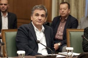 Ο υπουργός Οικονομικών Ευκλελιδης Τσακαλώτος συμμετέχει στη συνεδρίαση του Υπουργικού Συμβουλίου υπό την προεδρεία του πρωθυπουργού Αλέξη Τσίπρα στη Βουλή, Αθήνα, Τρίτη 16 Οκτωβρίου 2018. ΑΠΕ-ΜΠΕ/ΑΠΕ-ΜΠΕ/ΣΥΜΕΛΑ ΠΑΝΤΖΑΡΤΖΗ