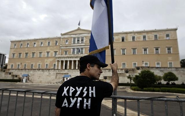 Μήνυση κατά της ηγεσίας της Χρυσής Αυγής από πρώην υποψήφιό της