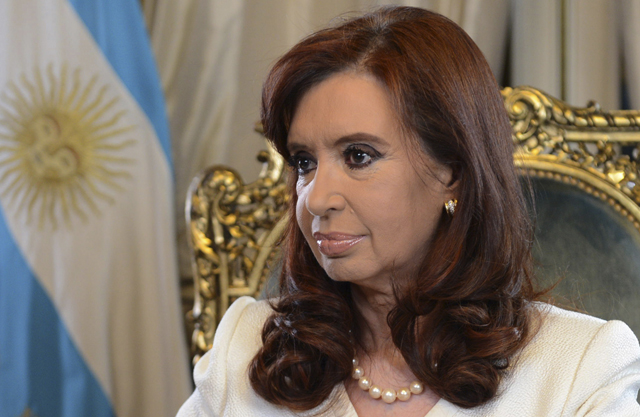 Κίρσνερ: Η Αργεντινή δεν υποκύπτει στον εκβιασμό