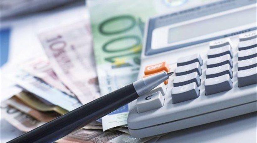 Περισσότεροι από τους μισούς πολίτες δεν μπορούν να εκπληρώσουν τις φορολογικές τους υποχρεώσεις