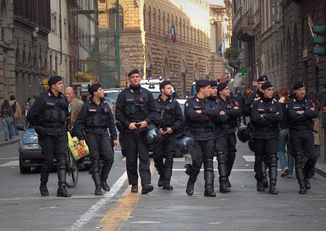 Συλλήψεις στην Ιταλία με την κατηγορία της συμμετοχής στη μαφία