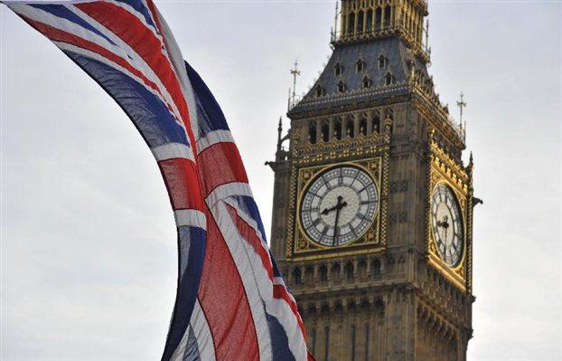 Σόιμπλε: «Αδιανόητη η έξοδος της Βρετανίας από την ΕΕ»