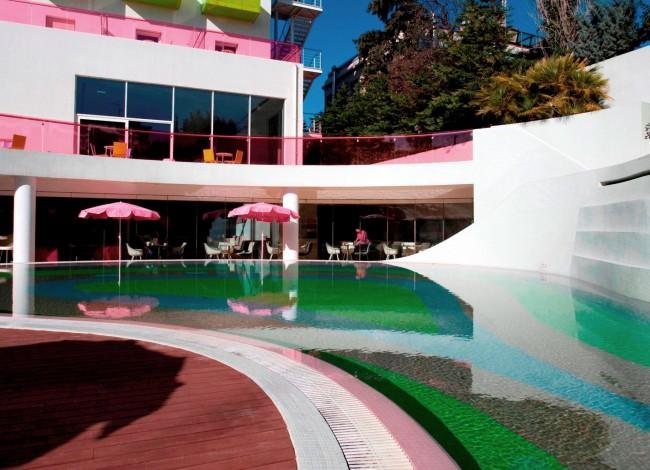 YES! Hotels: Δέκα χρόνια Semiramis