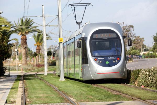 Χορηγία 34 εκατ. ευρώ για την επέκταση του τραμ στον Πειραιά