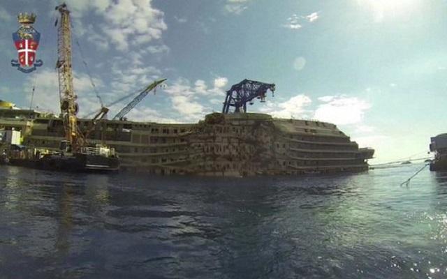 Βίντεο: Η βυθισμένη «πολιτεία» του Costa Concordia