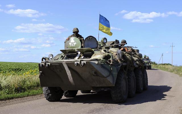 Συνεχίζονται οι αιματηρές μάχες στην ανατολική Ουκρανία