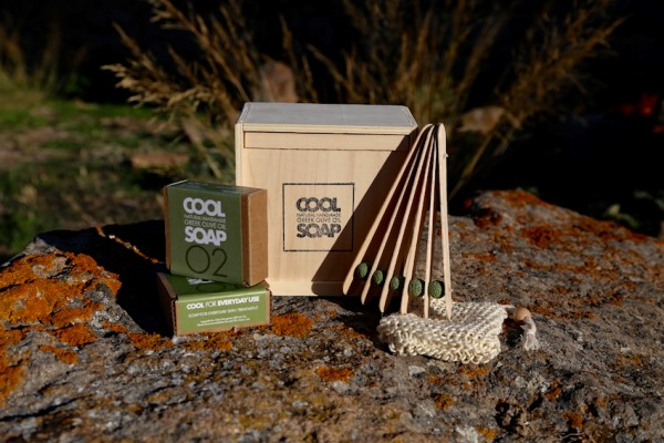 Αγνά «cool» σαπούνια με ελληνική σφραγίδα